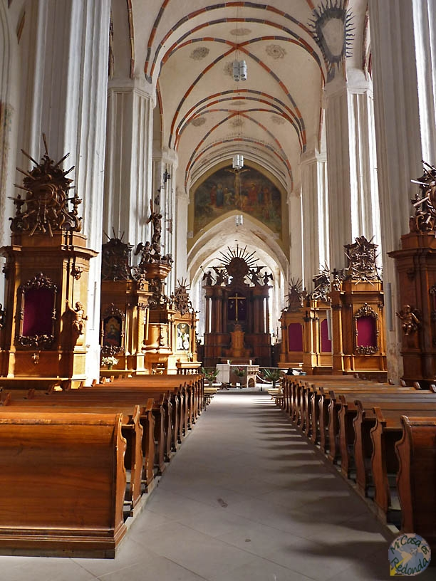 Interior de iglesia de Santa Ana