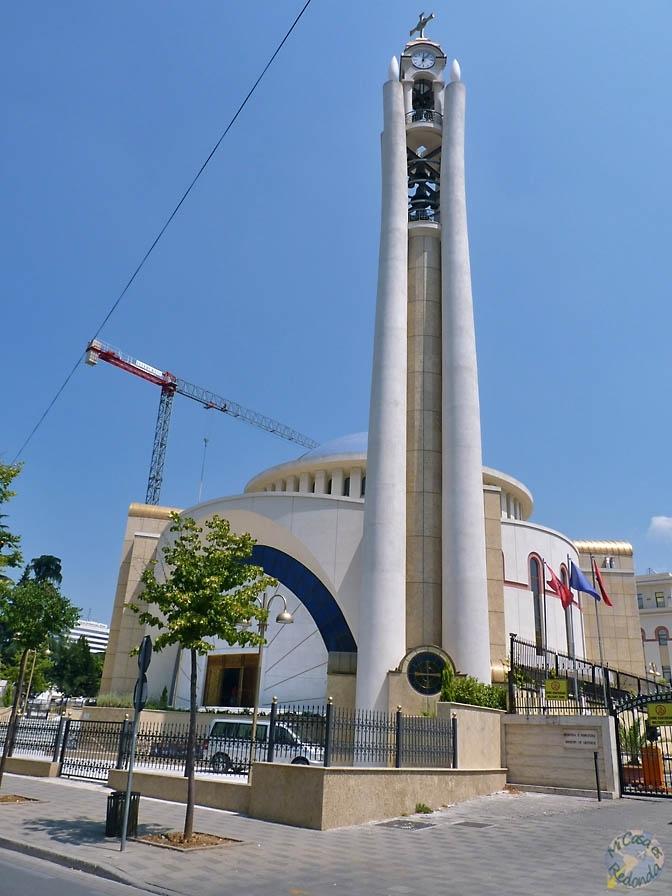 Catedral ortodoxa del Cristo de la Resurrección, Tirana. Ahí es nada