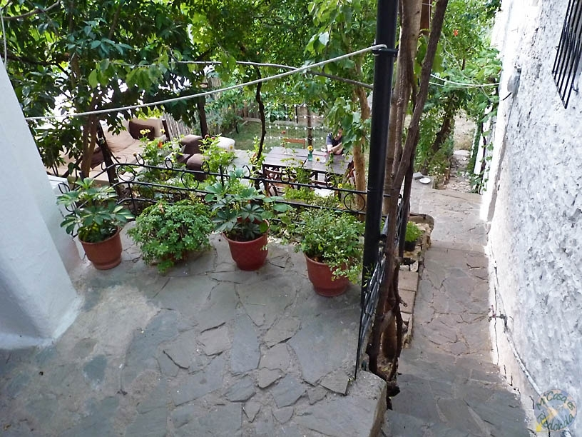 El patio de nuestro hostel en Berat, el Backpacker's
