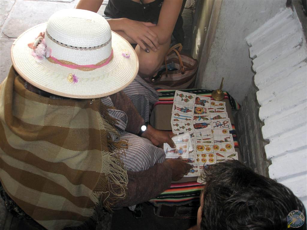 Echándonos las cartas en un rincón de Sucre