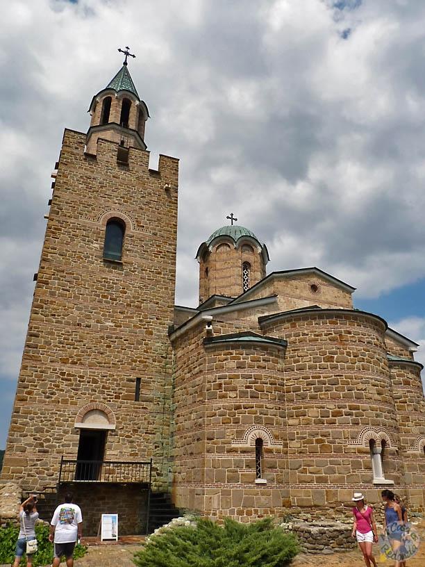Catedral del Patriarca en Tsarevets, increibles frescos modernistas dentro!! (no photos!)