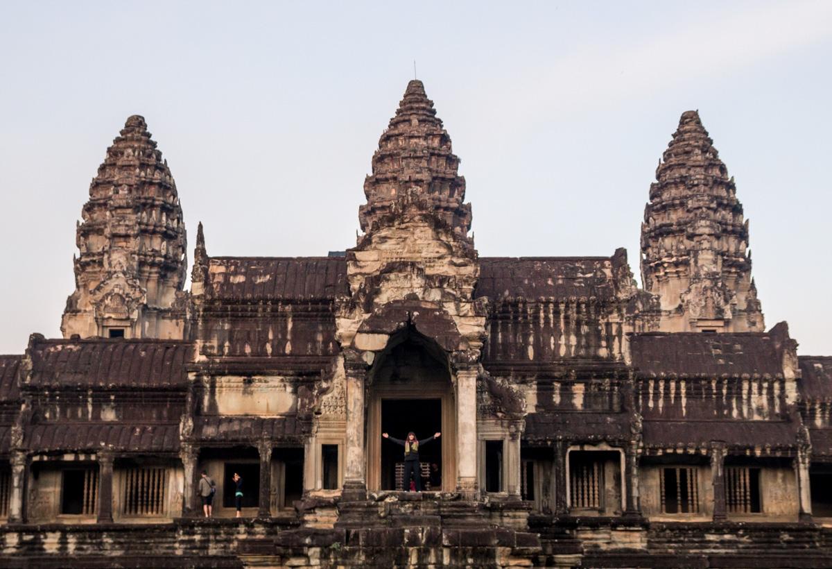 Desperezándonos con la mañana, Angkor Wat
