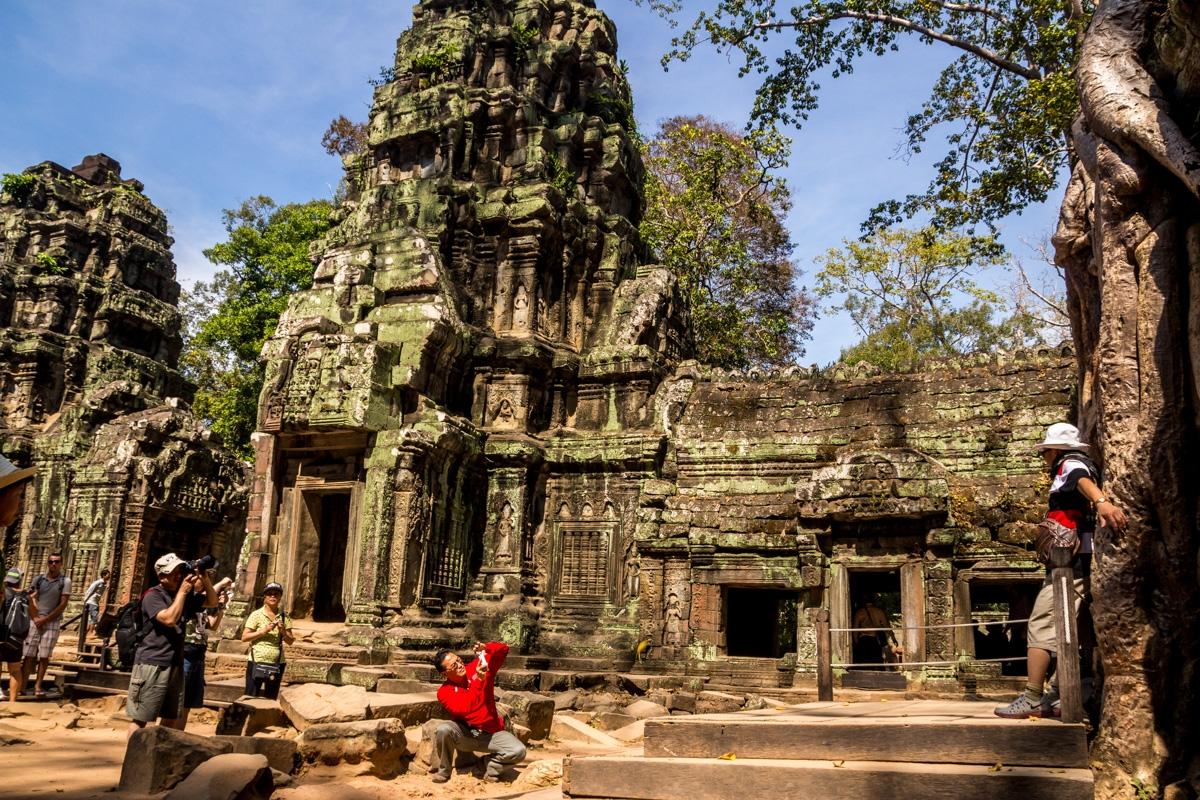 Chinos por doquier ocupándolo todo con sus fotos, Angkor