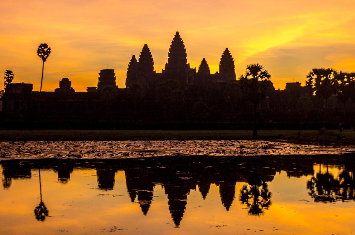 Amaneciendo en Angkor Wat