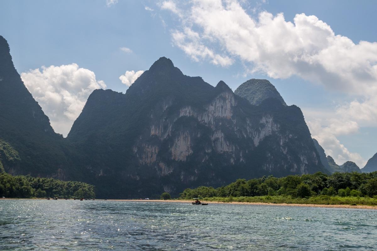 La colina de los 7 caballos, río Li. Tú los ves? Yo tampoco