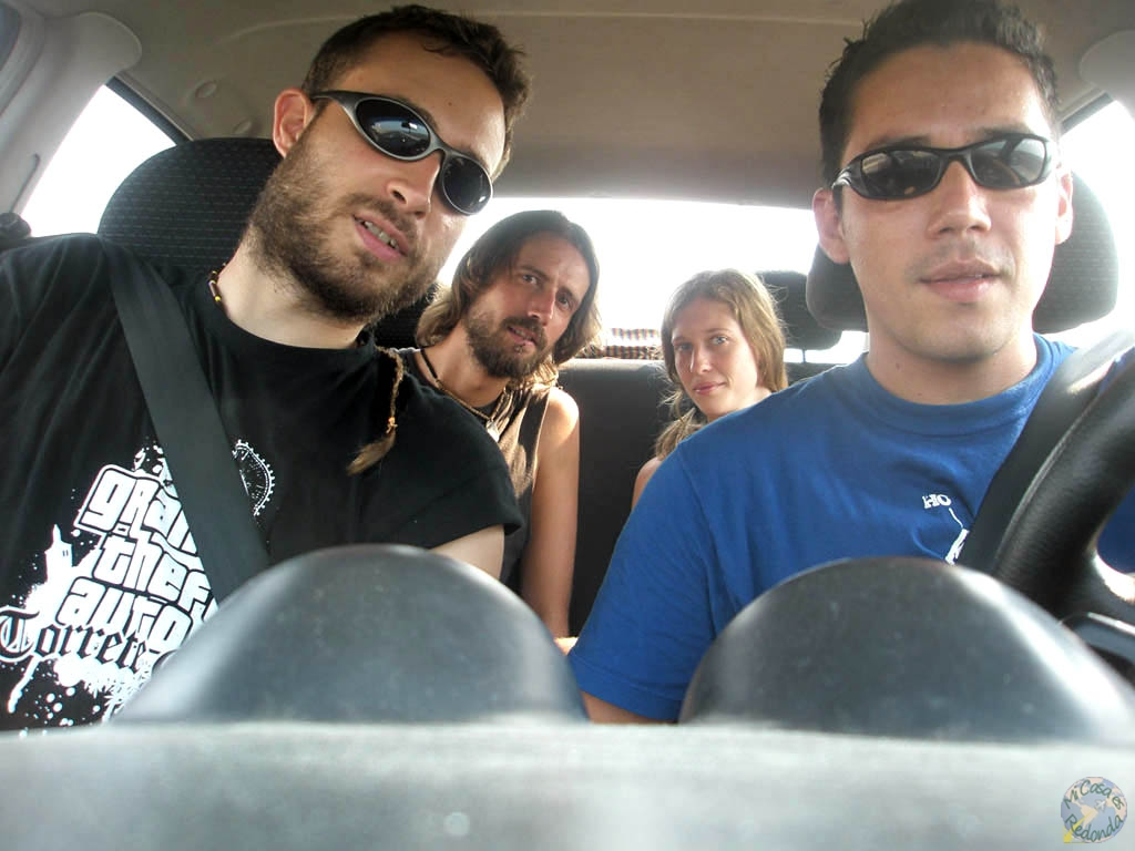 Durán, Andrés, Zior y yo, con nuestro carro