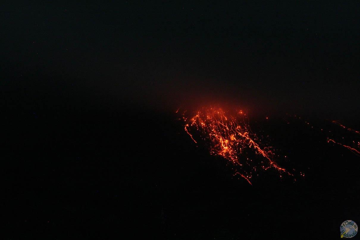 El volcán Arenal en pleno apogeo