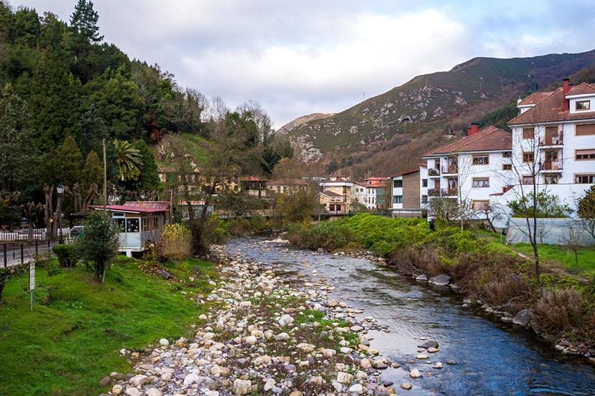 El río en Belmonte de Miranda