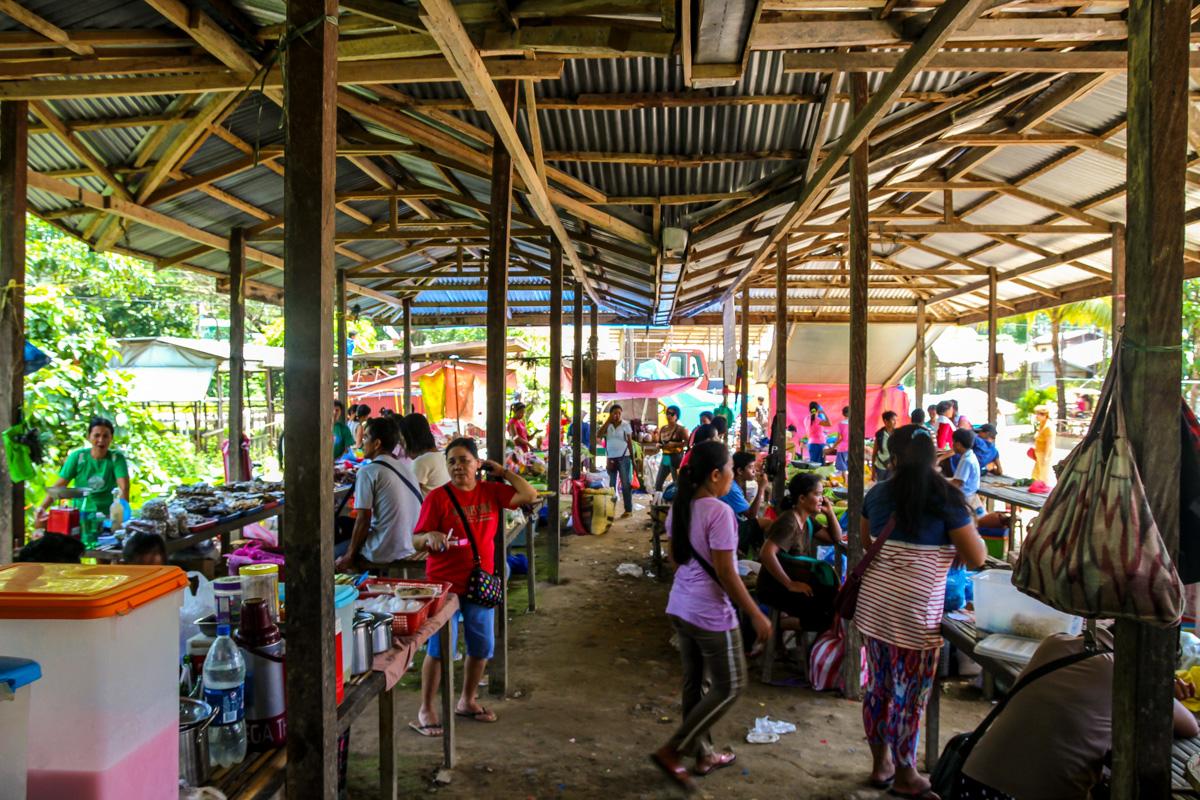 Mercado local de los miércoles en El Nido