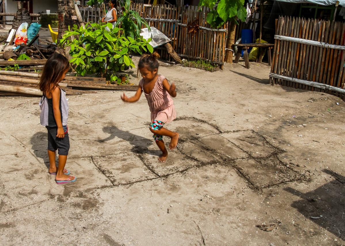 Niños por todas partes, Malapascua