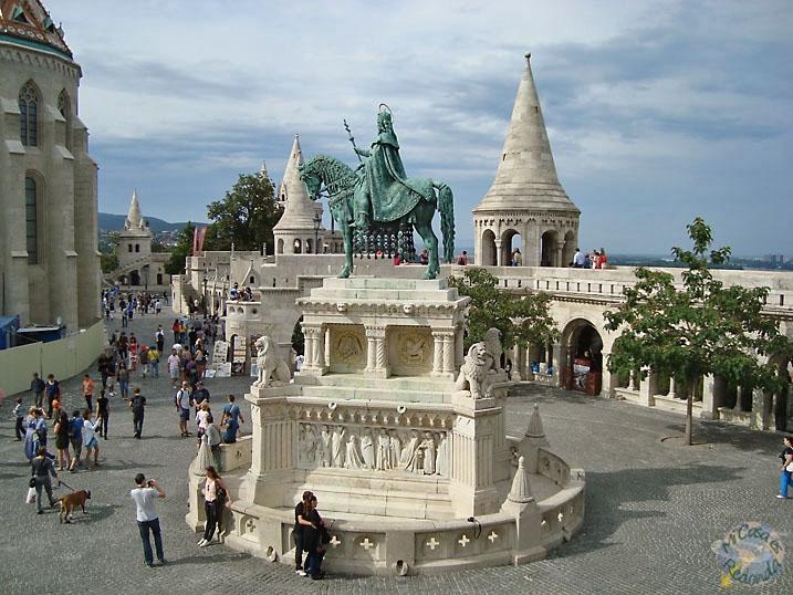 La plaza del Bastión de los Pescadores