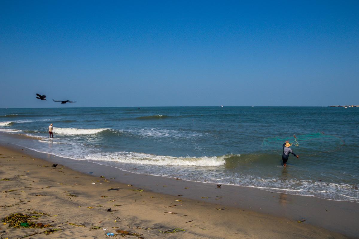 Playa de Kochi, pesca diurna