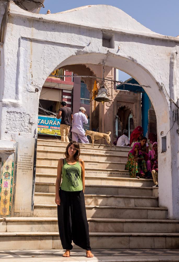 Una de las muchas entradas a los ghats, Pushkar