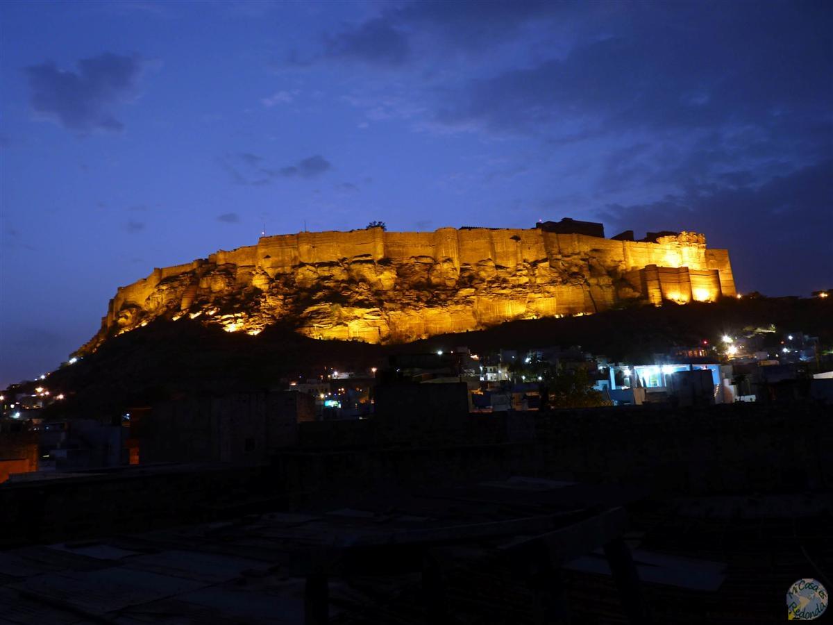 Mehrangarh de noche