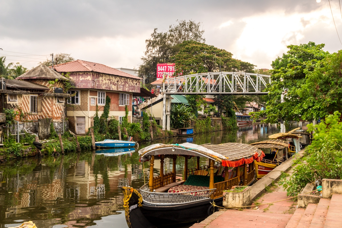 El pueblo de Alepey,los canales para ir a los Backwaters