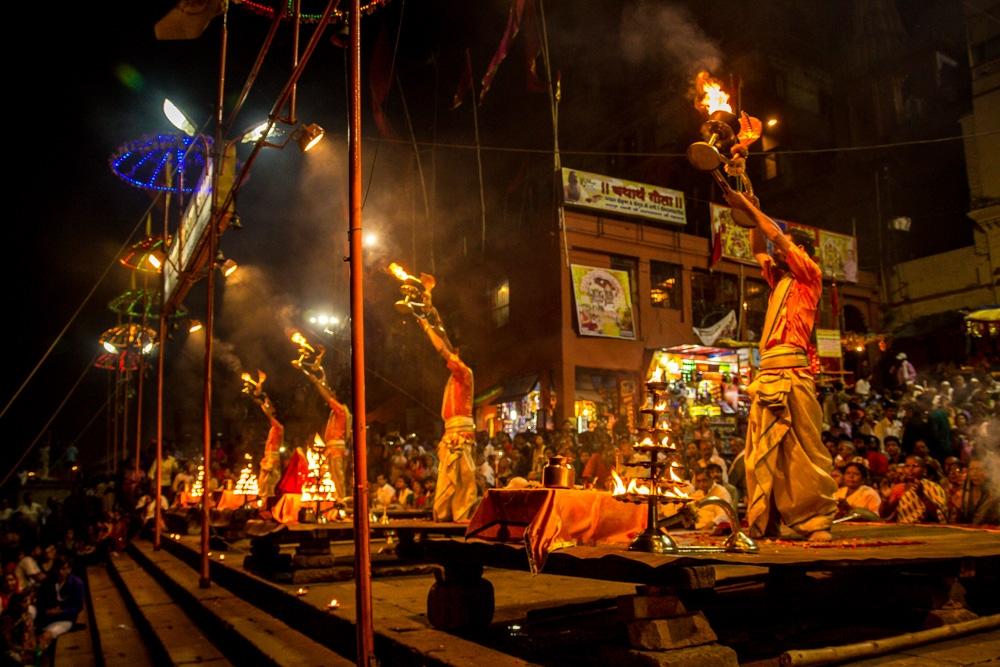 Sincronización en los pasos. Varanasi