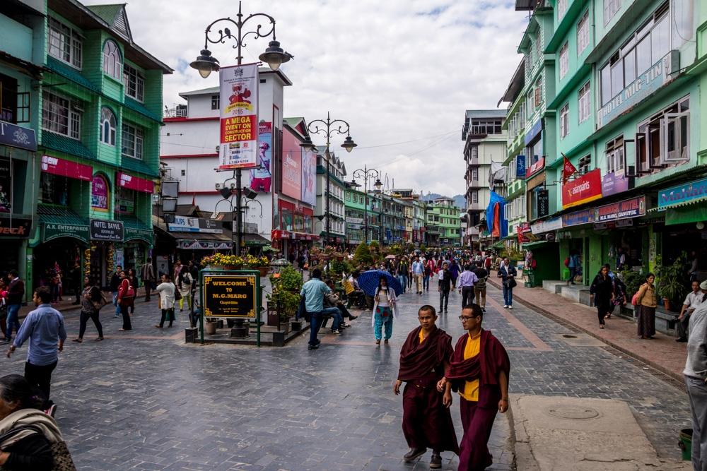 La peatonal de Gangtok, posiblemente la calle más limpia de India