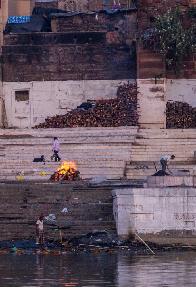Uno de los crematorios de Varanasi