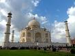 Muchos turistas indios en el Taj Mahal