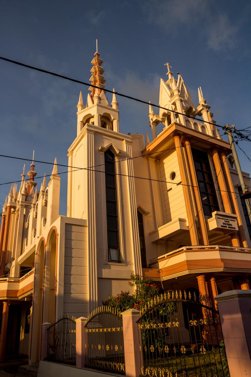 Iglesia de Bunaken, el edificio más alto