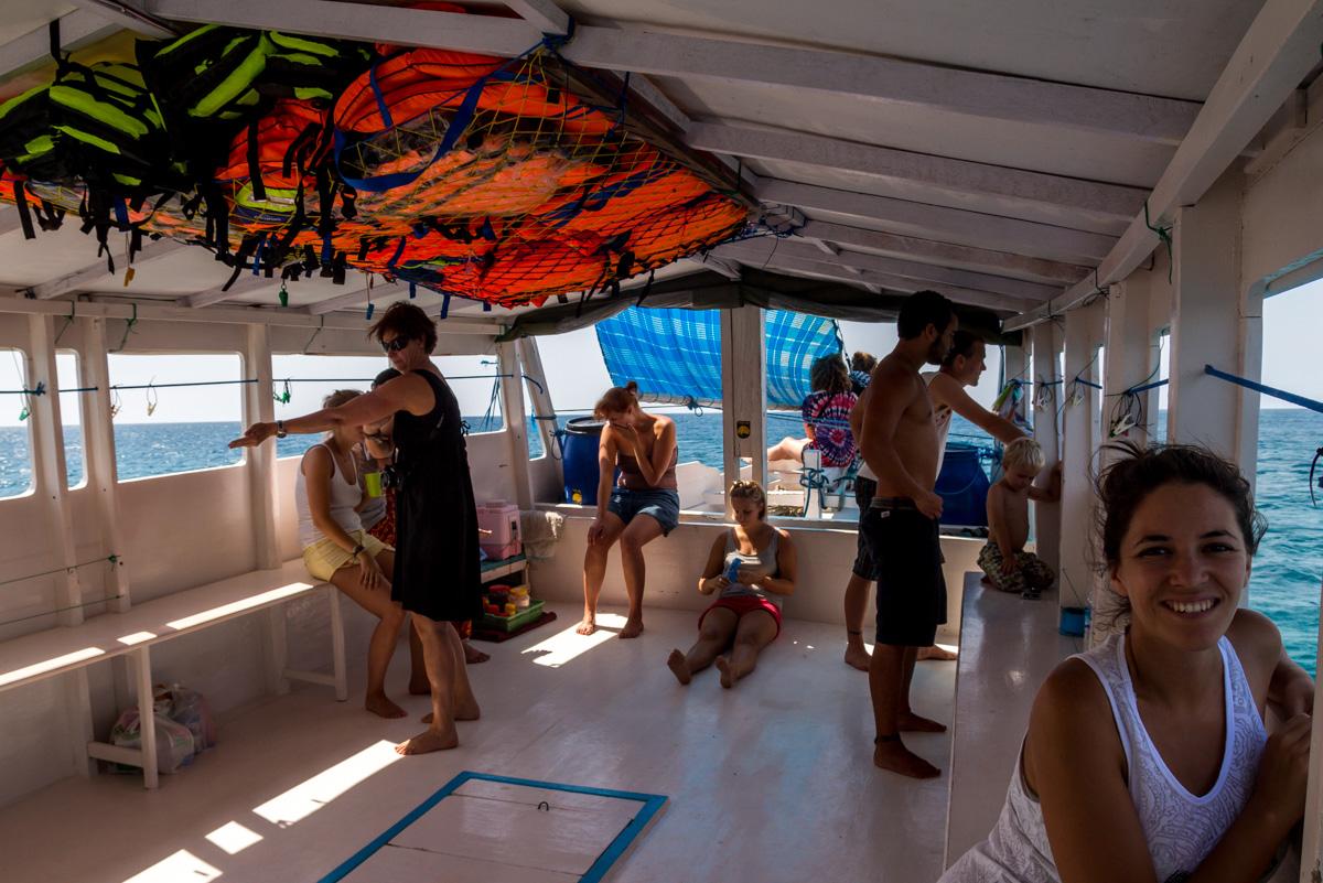 La cubierta de nuestro barco, entre Lombok y Flores