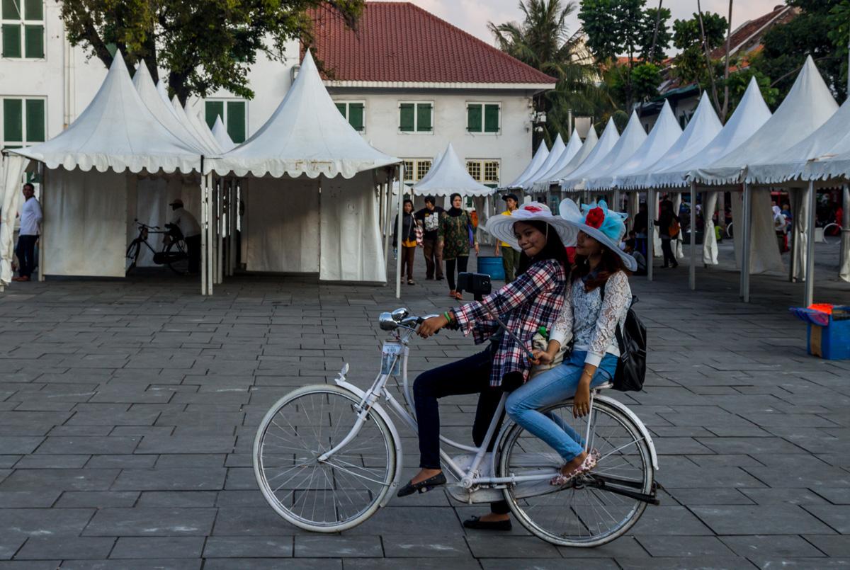 Estupendas a selfies, Yakarta