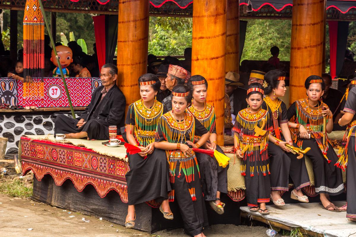 Vestimenta tradicional, funeral Tana Toraja