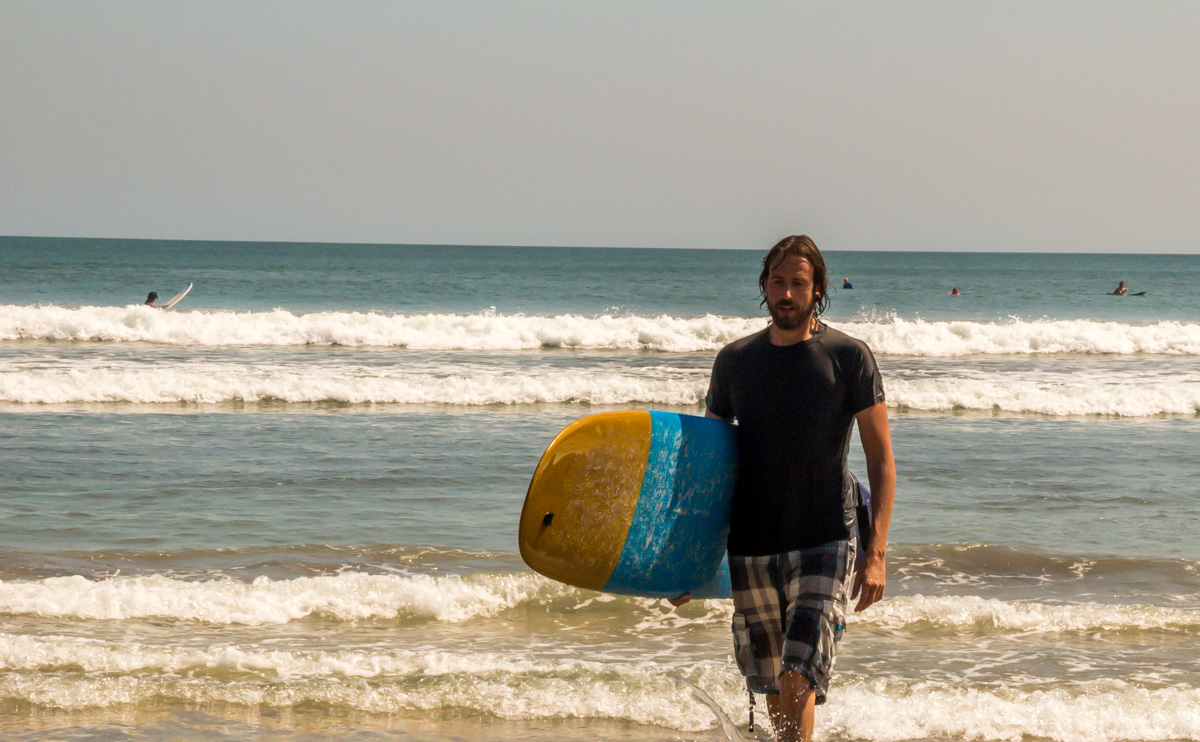 Intento de surfer, Kuta Beach