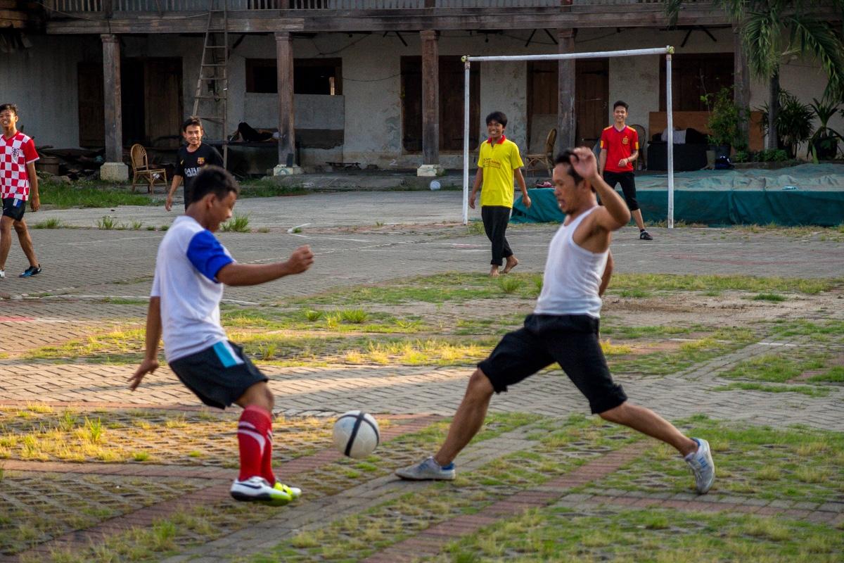 Pachanguita de barrio en Yakarta