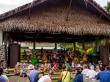 Cantos y bailes en el mercado del sábado en Avarua, Rarotonga, Islas Cook