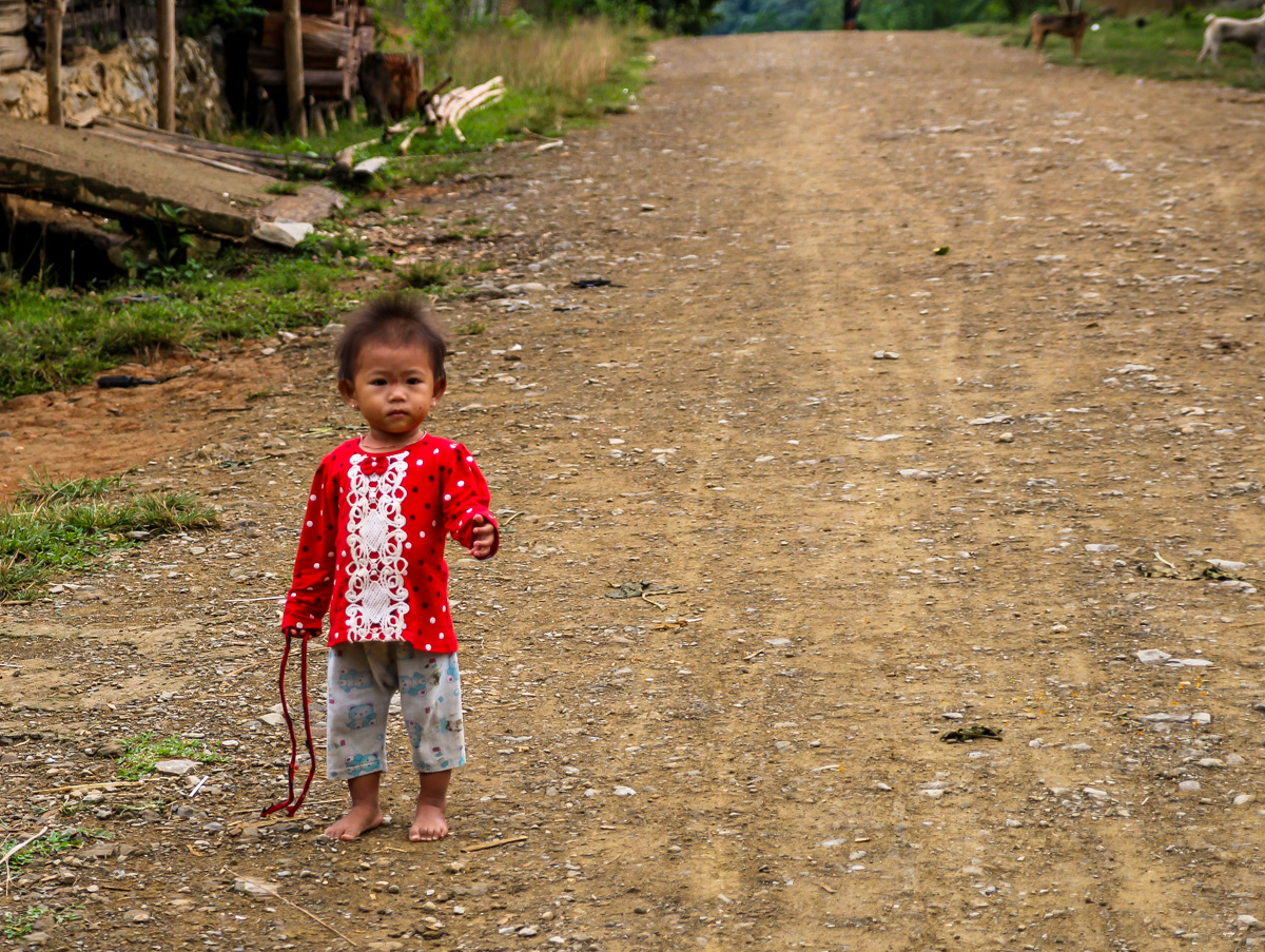 ¿pequeña laosiana autoestopista?