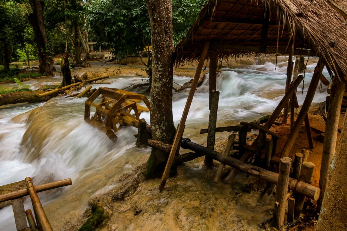 Otro molino, éste más activo. Tad Se, Luang Prabang