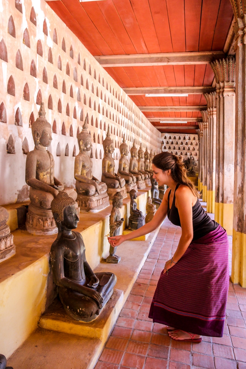 Ofrenda al buda, Vientiane