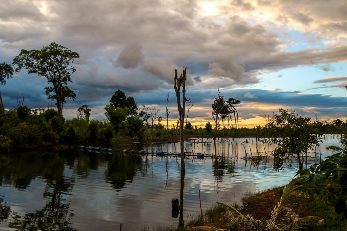 Atardecer entre pantanos, Thalang, Thakhek Loop