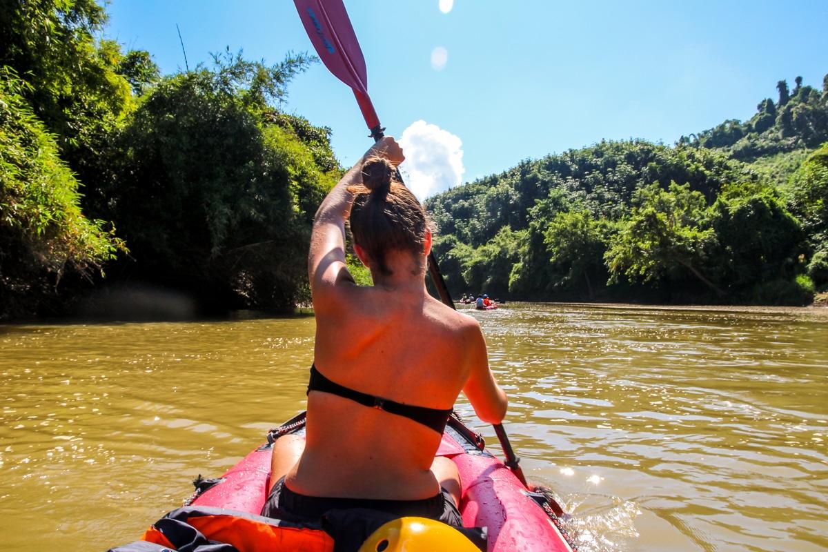 Kayaking en el río Nam Tha