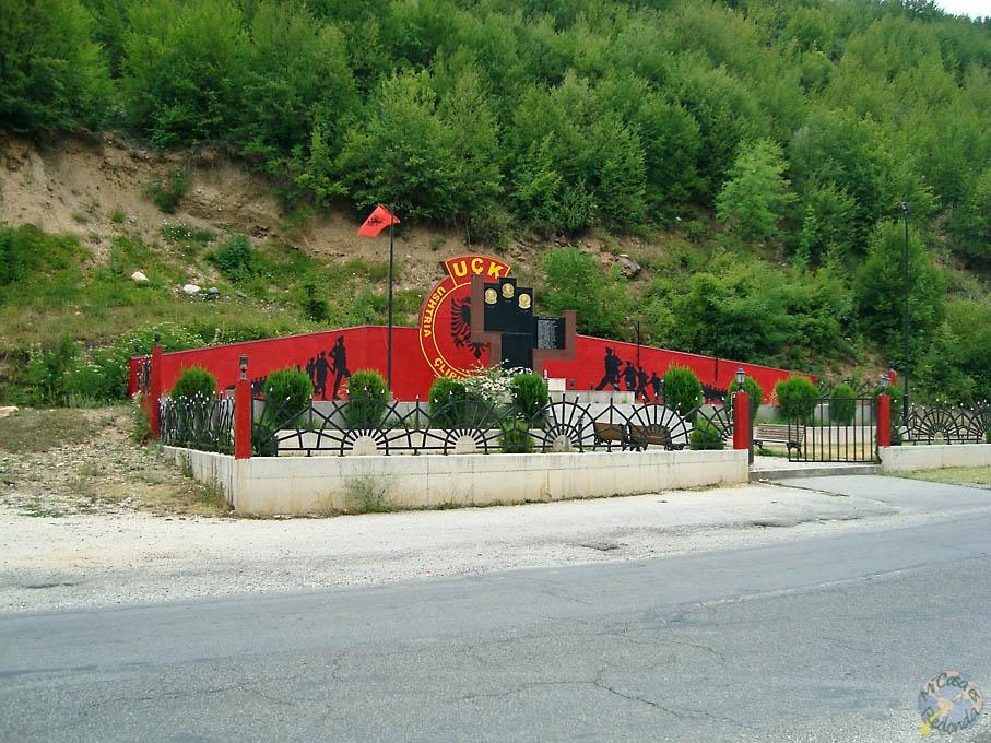 Homenajes militares en la carretera, Macedonia