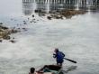 Locales sorteando el arrecife, Mabul
