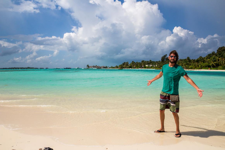 Disfrutando de la playa de Guraidhoo, Maldivas