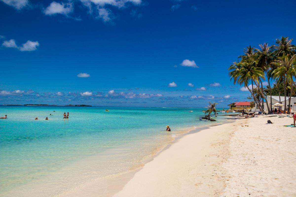 La playa en Maafushi
