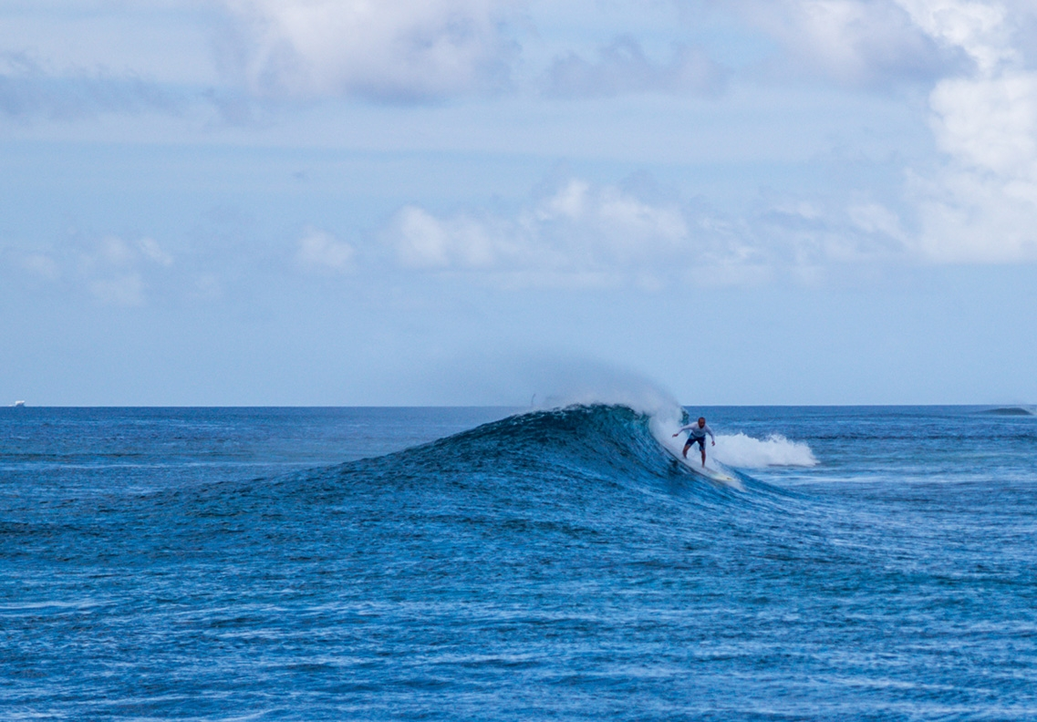 Surf en Guraidhoo, Maldivas