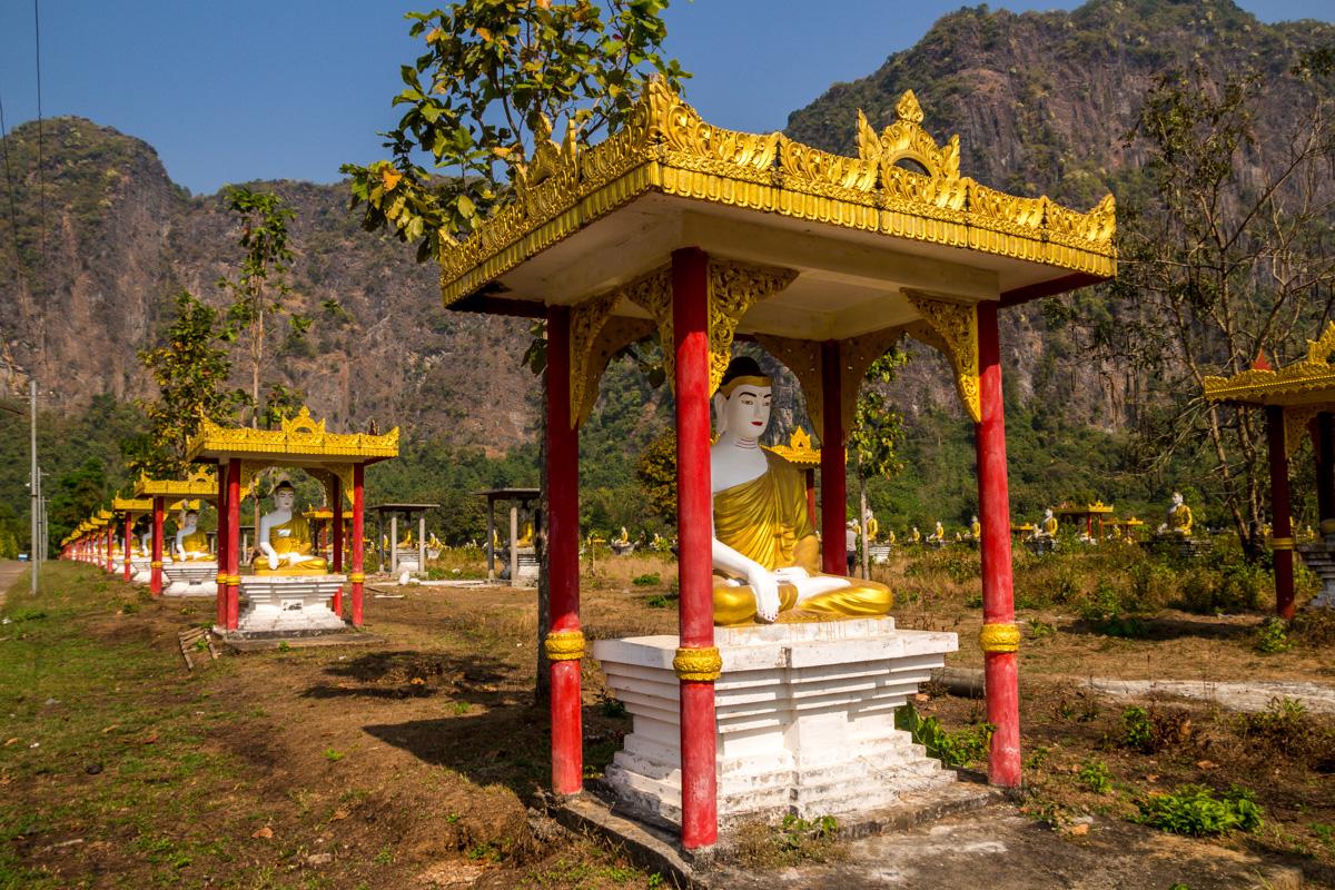 Lumbini Garden, 1100 estatuas de Buda (el que las fabrique se forra)