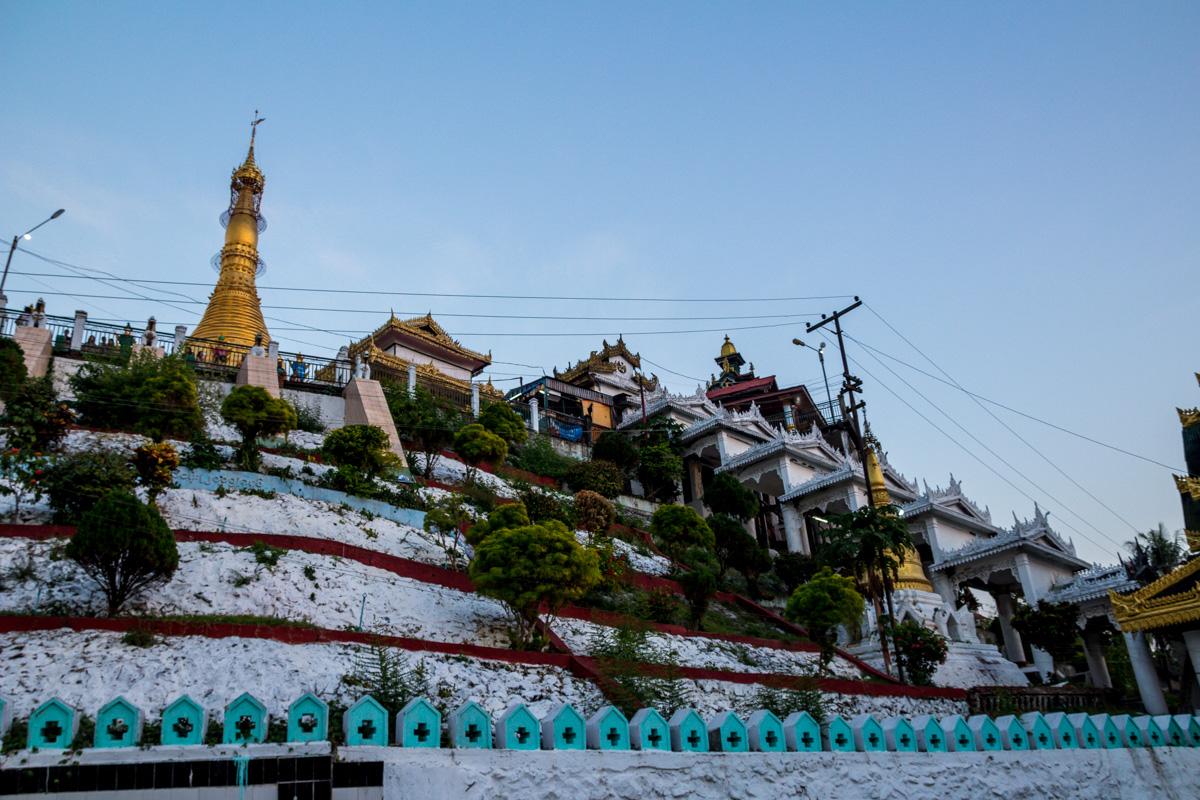 Mawlamyine, su distrito de templos