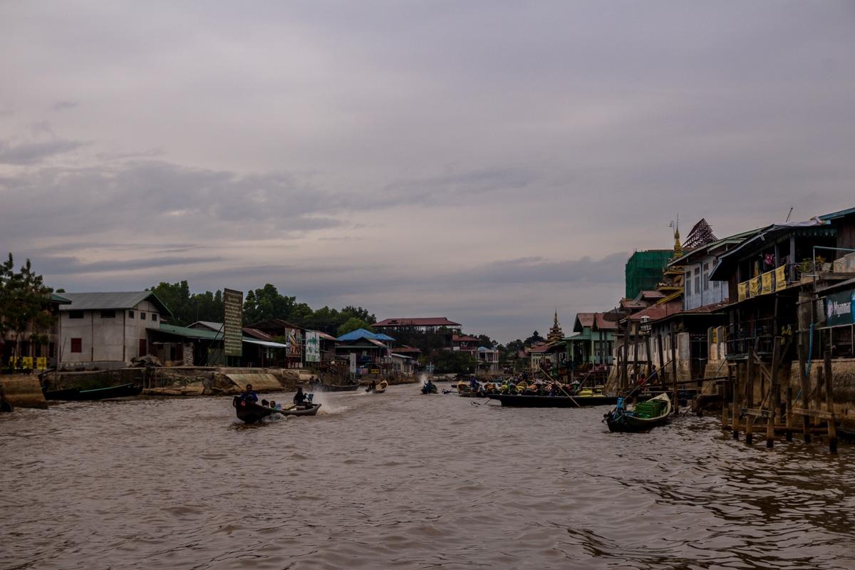 El canal principal de Nyaungshwe