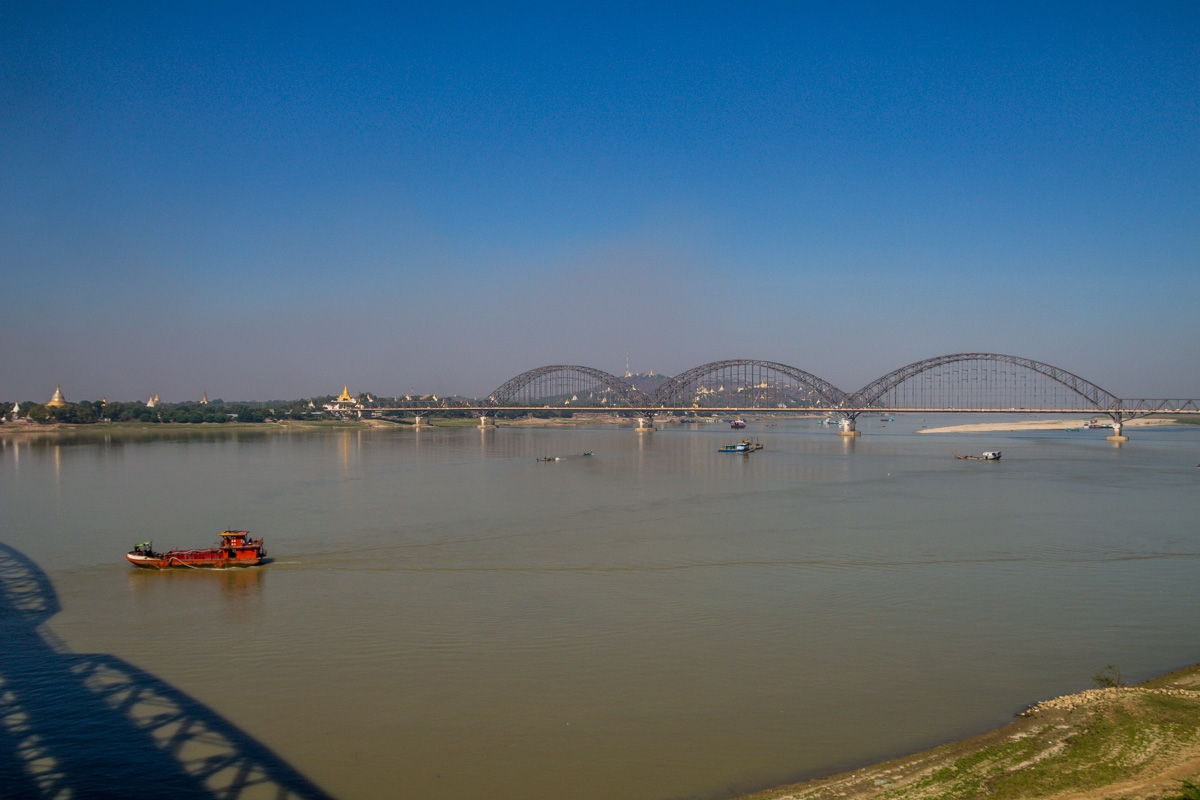 El puente sobre el ayeyarwady junto a Sagaing