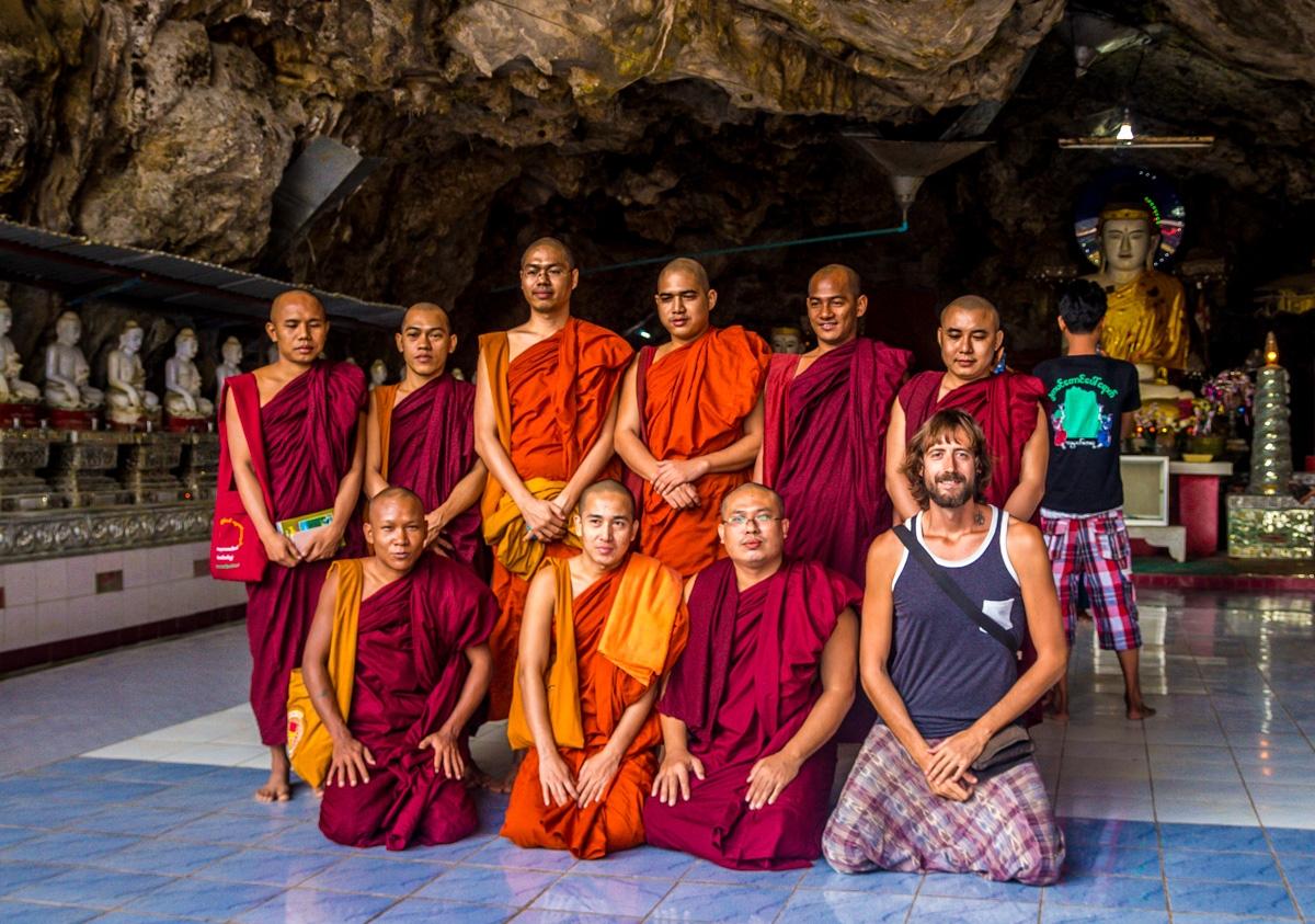 Casi somos el Buda F.C. (yo el portero)