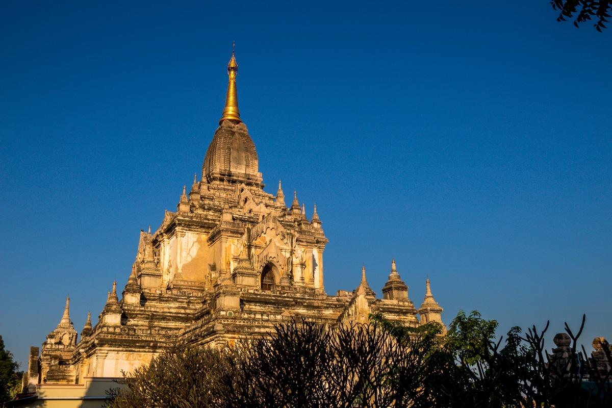 Estupas y templos en kilométros y kilómetros, Bagan
