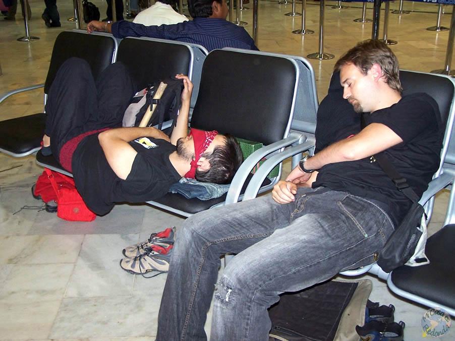 Muertos en el aeropuerto de Delhi