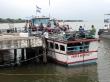 Barcaza que nos transportó a Ometepe. Miles de millones de mosquitos
