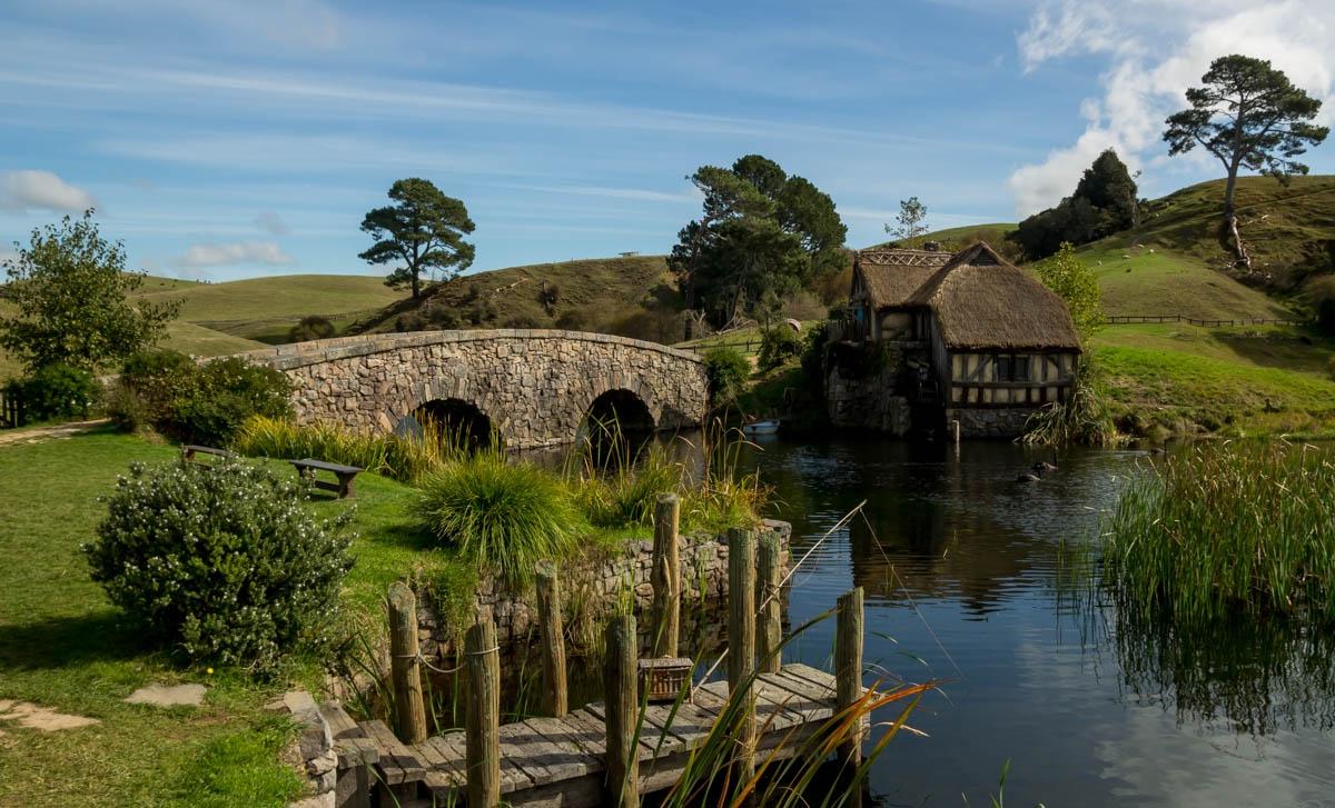 El puente y el molino. Hobbiton, La Comarca