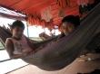 Mis compañeros de hamaca en el viaje en barco